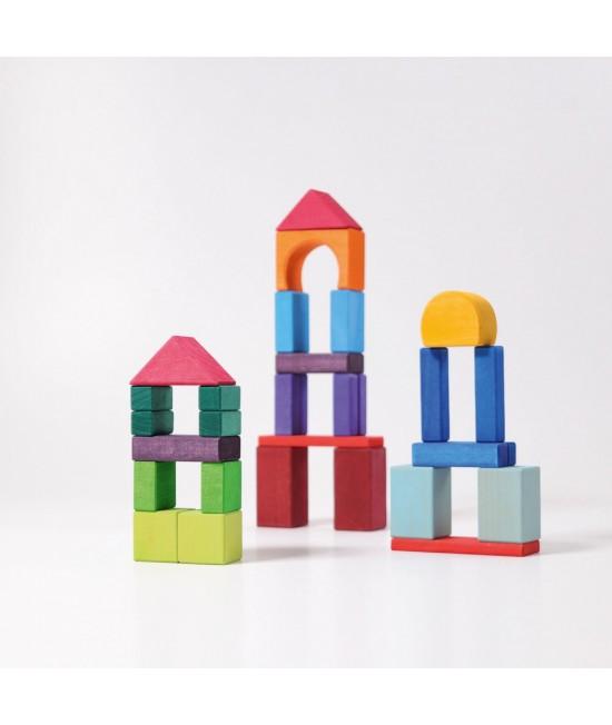 30 Cuburi cu forme geometrice colorate Grimm's din lemn de tei vopsit non-toxic